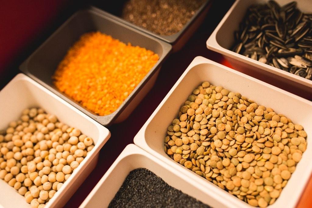 kaboompics.com_Bowls of various legumes